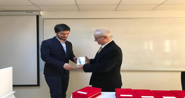 Bölümlerden en yüksek Akademik Teşvik Puanı alan Öğretim Elemanları olarak Bölümümüzden Arş. Gör.Mücahit AYDIN'a bilimsel anlamda son bir yılda gösterdiği performanstan ötürü ödül verildi.