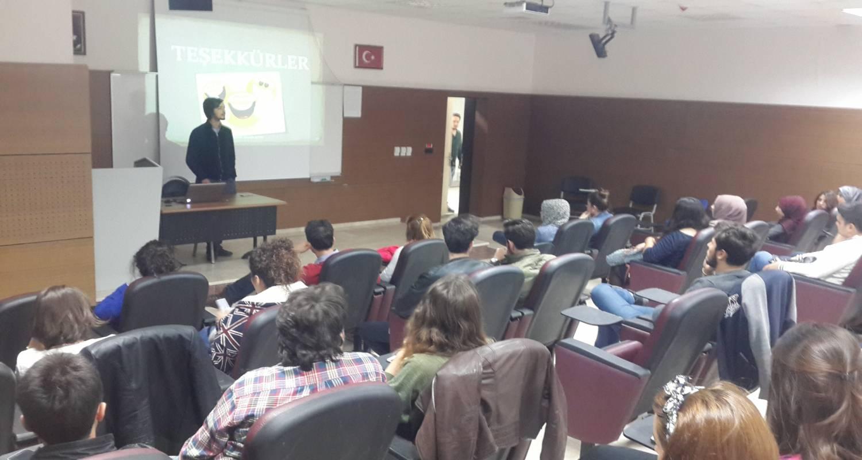 Bölümümüz Araştırma Görevlisi Mücahit AYDIN Türkiye Cumhuriyet Merkez Bankası ile Amerikan Merkez Bankası (FED) arasındaki kuruluş, işleyiş ve kurumsal yapılarının karşılaştırmasını içeren bir sunum gerçekleştirmiştir.